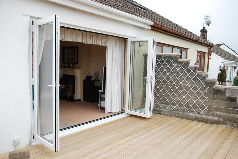 Open bifold door