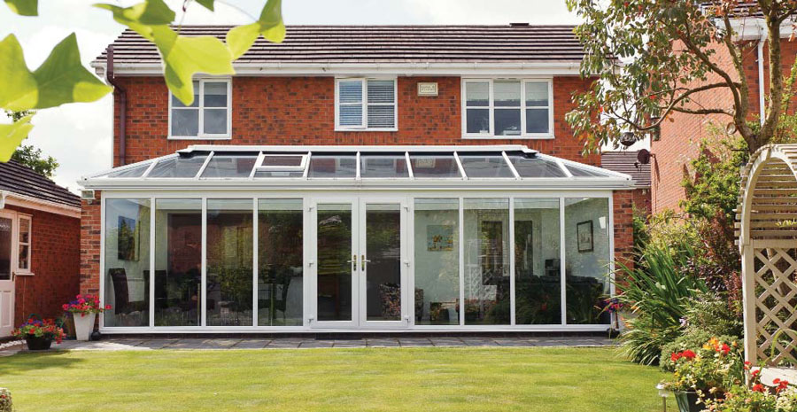 Wide conservatory